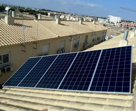 Placas solares fotovoltaicas en Santiago de la Ribera