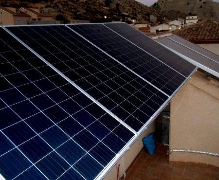Instalación de energía solar fotovoltaica para autoconsumo en ricote.