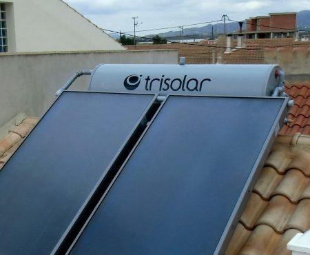 Equipo solar térmico para acs con dos placas solares y deposito de 300 litros