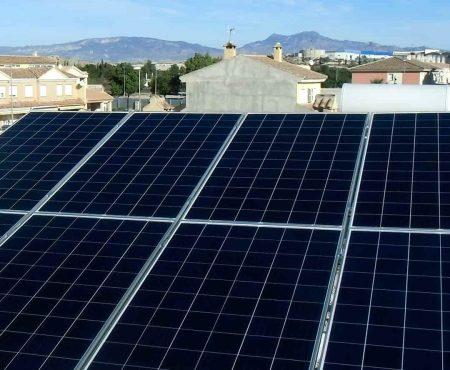 instalacion fotovoltaica en llano de molina